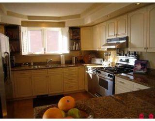 Photo 10: 15145 VICTORIA AV in White Rock: House for sale : MLS®# F2727414