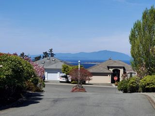 Photo 42: 16 6595 Groveland Dr in : Na North Nanaimo Row/Townhouse for sale (Nanaimo)  : MLS®# 873596