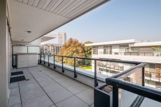 """Photo 11: 403 26 E ROYAL Avenue in New Westminster: Fraserview NW Condo for sale in """"The Royal"""" : MLS®# R2517695"""