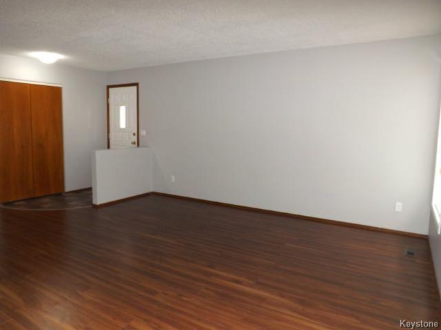 Photo 4: Photos: 610 Springfield Road in WINNIPEG: North Kildonan Residential for sale (North East Winnipeg)  : MLS®# 1427546