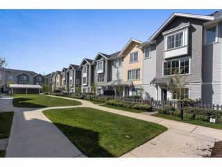 """Photo 2: 16 5550 ADMIRAL Way in Delta: Neilsen Grove Townhouse for sale in """"FAIRWINDS"""" (Ladner)  : MLS®# R2569776"""