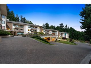 "Photo 2: 202 1350 VIDAL Street: White Rock Condo for sale in ""Seapark"" (South Surrey White Rock)  : MLS®# R2607938"