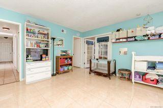 Photo 20: ENCINITAS House for sale : 4 bedrooms : 272 Village Run W