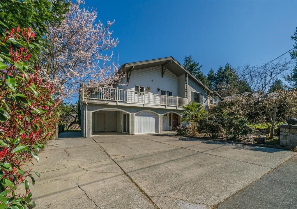 Main Photo: 5558 Kenwill Drive Lower in Nanaimo: Residential for rent