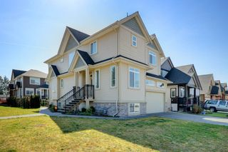 """Photo 1: 23996 121 Avenue in Maple Ridge: East Central House for sale in """"ACADEMY COURT"""" : MLS®# R2354447"""