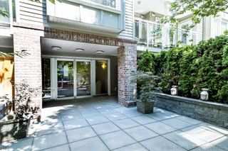 """Photo 11: 211 2373 ATKINS Avenue in Port Coquitlam: Central Pt Coquitlam Condo for sale in """"CARMANDY"""" : MLS®# R2613628"""