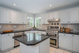 """Photo 7: 8452 214A Street in Langley: Walnut Grove House for sale in """"Forest Hills"""" : MLS®# R2584256"""