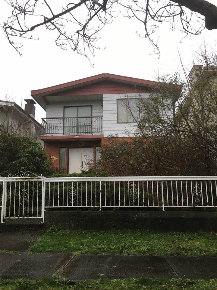 "Main Photo: 3173 E 7TH Avenue in Vancouver: Renfrew VE House for sale in ""RENFREW"" (Vancouver East)  : MLS®# R2047379"