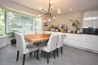 Photo 1: 3831 19 Street NW in Calgary: Charleswood Detached for sale : MLS®# A1123117