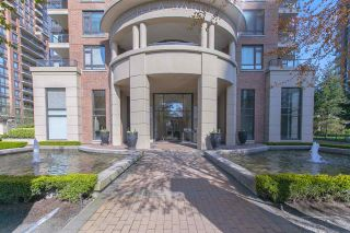 """Photo 15: 1001 6833 STATION HILL Drive in Burnaby: South Slope Condo for sale in """"VILLA JARDIN"""" (Burnaby South)  : MLS®# R2260327"""