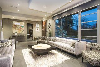 """Photo 4: 7038 CHURCHILL Street in Vancouver: South Granville House for sale in """"Churchill Mansion"""" (Vancouver West)  : MLS®# R2574142"""