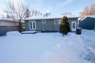Photo 36: 19 Malden Close in Winnipeg: Maples Residential for sale (4H)  : MLS®# 202101865