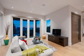 Photo 9: 2277 LAWSON Avenue in West Vancouver: Dundarave House for sale : MLS®# R2618791