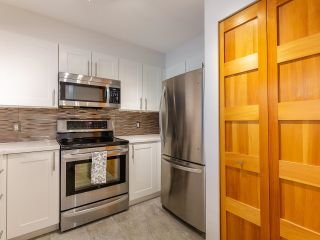 """Photo 11: 302 1438 W 7TH Avenue in Vancouver: Fairview VW Condo for sale in """"DIAMOND ROBINSON"""" (Vancouver West)  : MLS®# R2602805"""