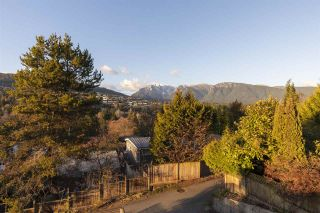 Photo 15: 925 INGLEWOOD Avenue in West Vancouver: Sentinel Hill House for sale : MLS®# R2560692
