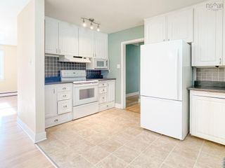 Photo 5: 28 Foster Street in Kentville: 404-Kings County Residential for sale (Annapolis Valley)  : MLS®# 202123680