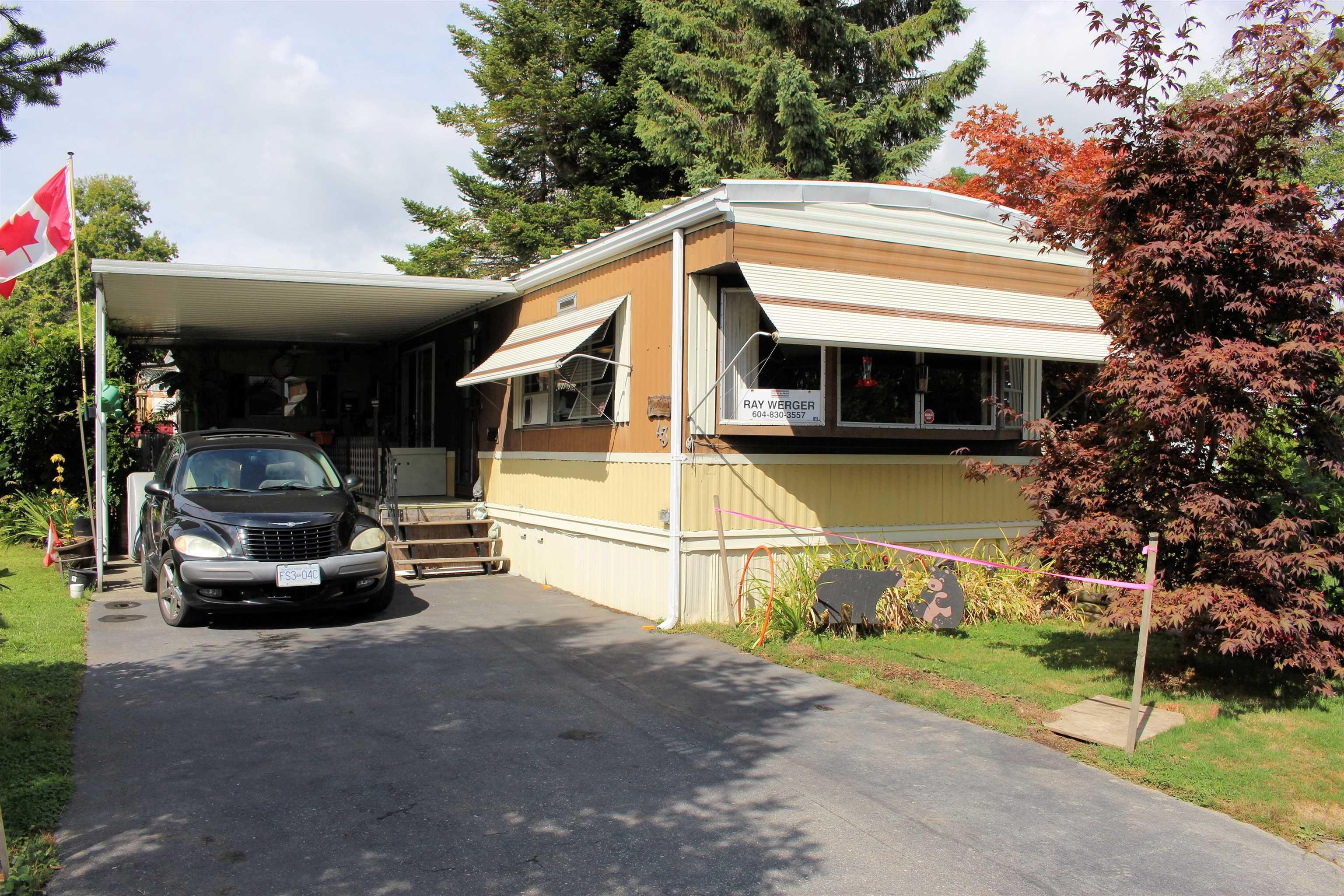 """Main Photo: 43 1840 160 Street in Surrey: King George Corridor Manufactured Home for sale in """"BREAKAWAY BAYS"""" (South Surrey White Rock)  : MLS®# R2612956"""