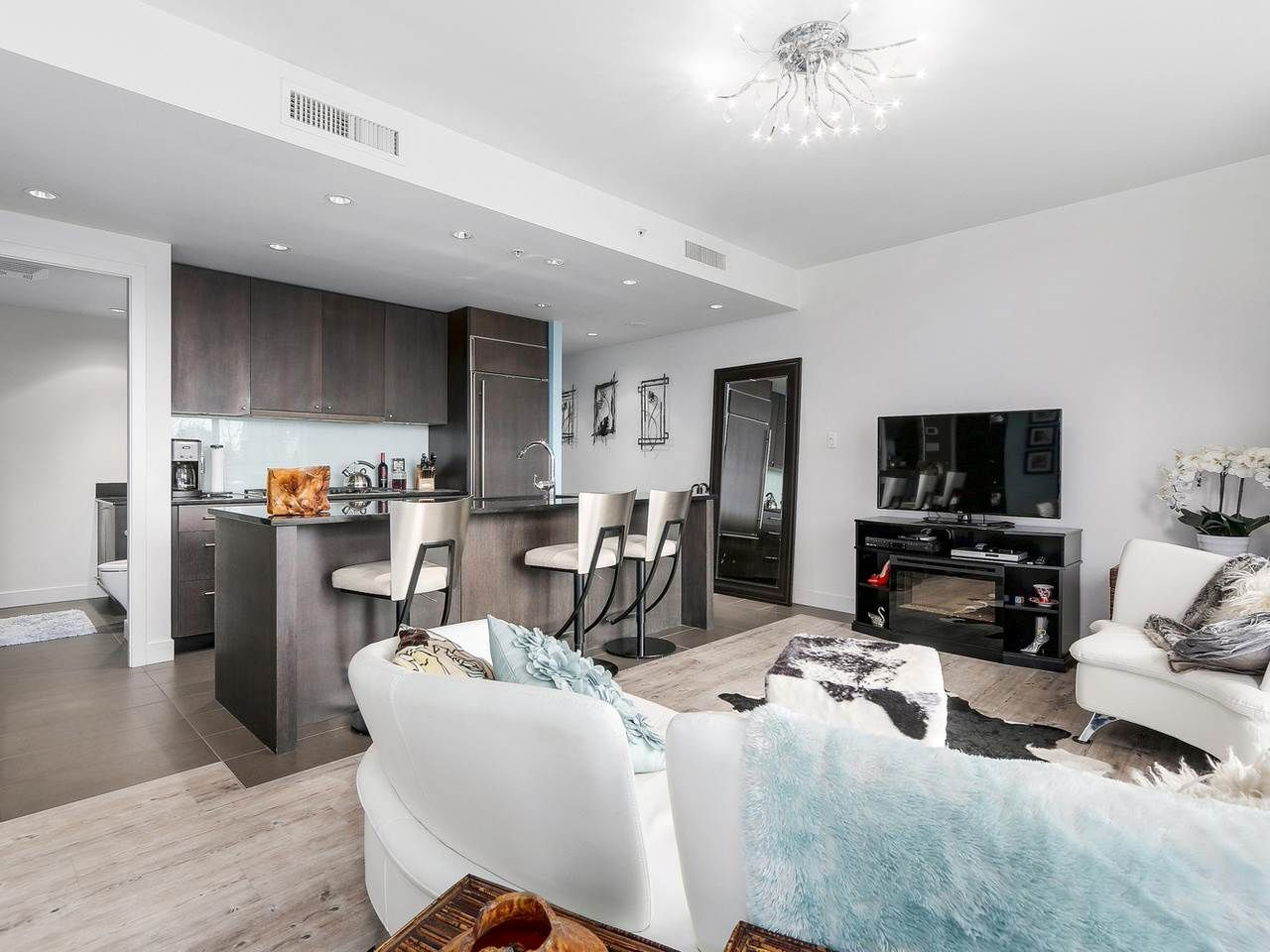Photo 4: Photos: 401 1455 HOWE STREET in Vancouver: Yaletown Condo for sale (Vancouver West)  : MLS®# R2145939