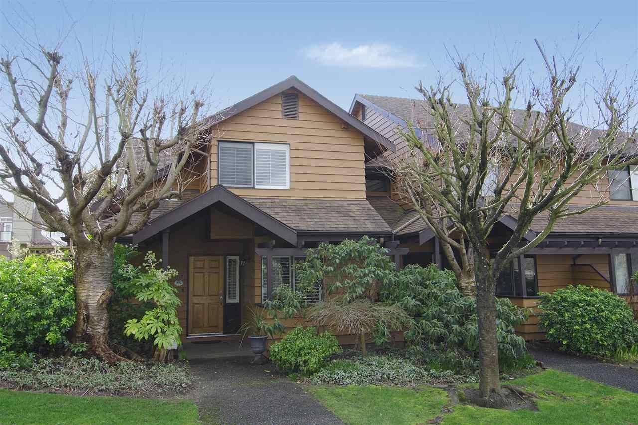 Main Photo: 157 W 19TH Street in North Vancouver: Central Lonsdale Townhouse for sale : MLS®# R2038626