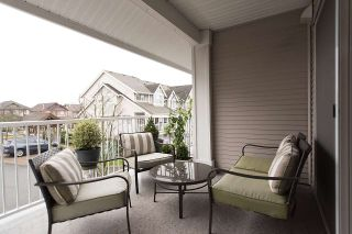 """Photo 18: 24 6555 192A Street in Surrey: Clayton Townhouse for sale in """"THE CARLISLE"""" (Cloverdale)  : MLS®# R2030709"""
