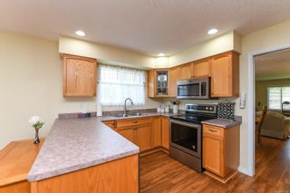 Photo 3: 2445 Idiens Way in : CV Courtenay East House for sale (Comox Valley)  : MLS®# 879352