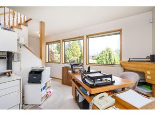 Photo 18: 5319 SOUTHRIDGE Place in Surrey: Panorama Ridge House for sale : MLS®# R2612903