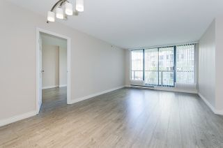 """Photo 4: 308 55 TENTH Street in New Westminster: Downtown NW Condo for sale in """"Westminster Towers"""" : MLS®# R2353028"""