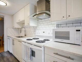 """Photo 12: 3 3370 ROSEMONT Drive in Vancouver: Champlain Heights Townhouse for sale in """"ASPENWOOD"""" (Vancouver East)  : MLS®# R2493440"""