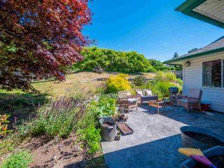 "Photo 18: 5072 BAY Road in Sechelt: Sechelt District House for sale in ""Davis Bay"" (Sunshine Coast)  : MLS®# R2321303"