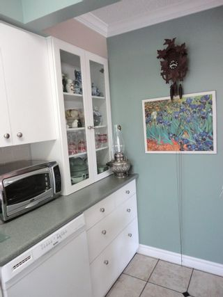 Photo 4: 311 7055 WILMA STREET in The Beresford: Highgate Home for sale ()