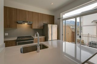 """Photo 13: 43 1188 WILSON Crescent in Squamish: Dentville Townhouse for sale in """"The Current"""" : MLS®# R2259461"""