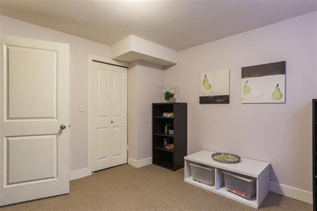 Photo 17: Photos: 16627 59A Avenue in Surrey: Cloverdale BC House for sale (Cloverdale)  : MLS®# R2287979