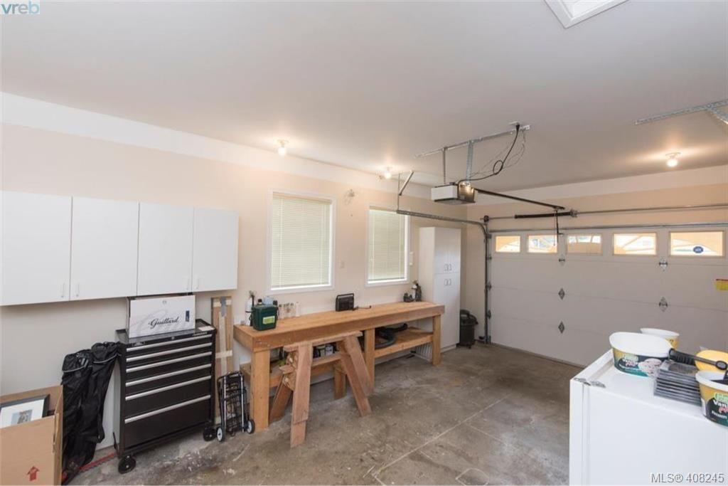 Photo 18: Photos: 546 Roseridge Pl in VICTORIA: SW Northridge House for sale (Saanich West)  : MLS®# 811318