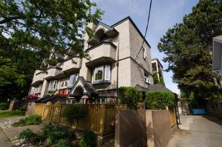 """Photo 3: 2312 VINE Street in Vancouver: Kitsilano Townhouse for sale in """"7TH & VINE"""" (Vancouver West)  : MLS®# R2377630"""