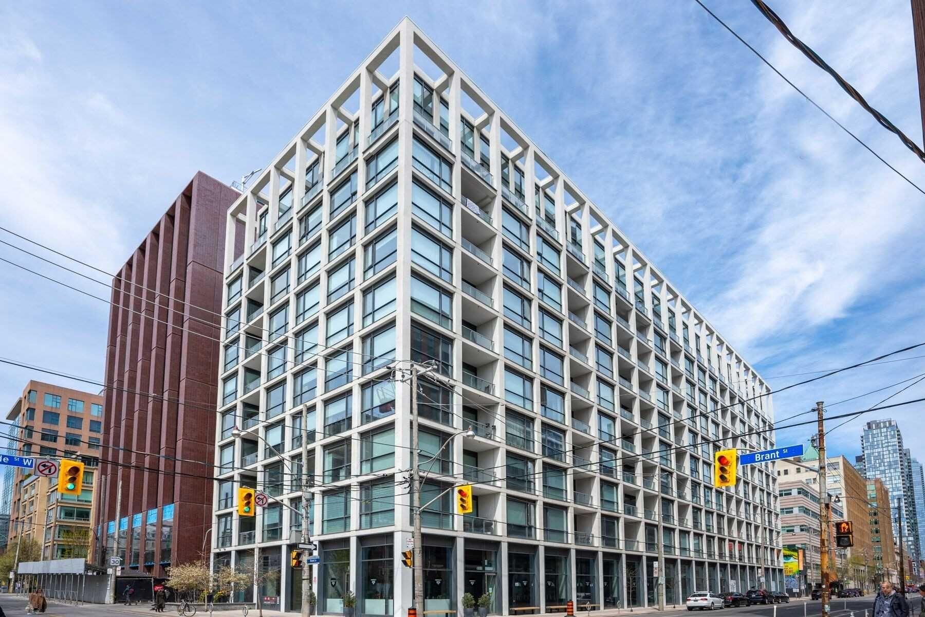 Main Photo: 1013 39 Brant Street in Toronto: Waterfront Communities C1 Condo for sale (Toronto C01)  : MLS®# C4758613
