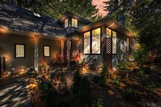 Photo 3: 2258 Trudie Terr in Langford: La Thetis Heights House for sale : MLS®# 884383