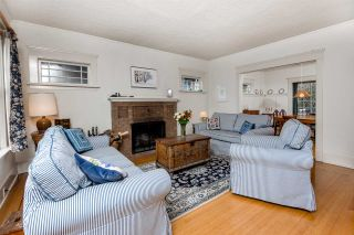 """Photo 2: 3535 W 19TH Avenue in Vancouver: Dunbar House for sale in """"DUNBAR"""" (Vancouver West)  : MLS®# R2036245"""