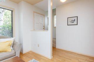 Photo 2: 3024 Cedar Hill Rd in VICTORIA: Vi Oaklands Row/Townhouse for sale (Victoria)  : MLS®# 762094