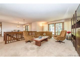 Photo 7: 1071 Quailwood Place in VICTORIA: SE Broadmead Residential for sale (Saanich East)  : MLS®# 327540