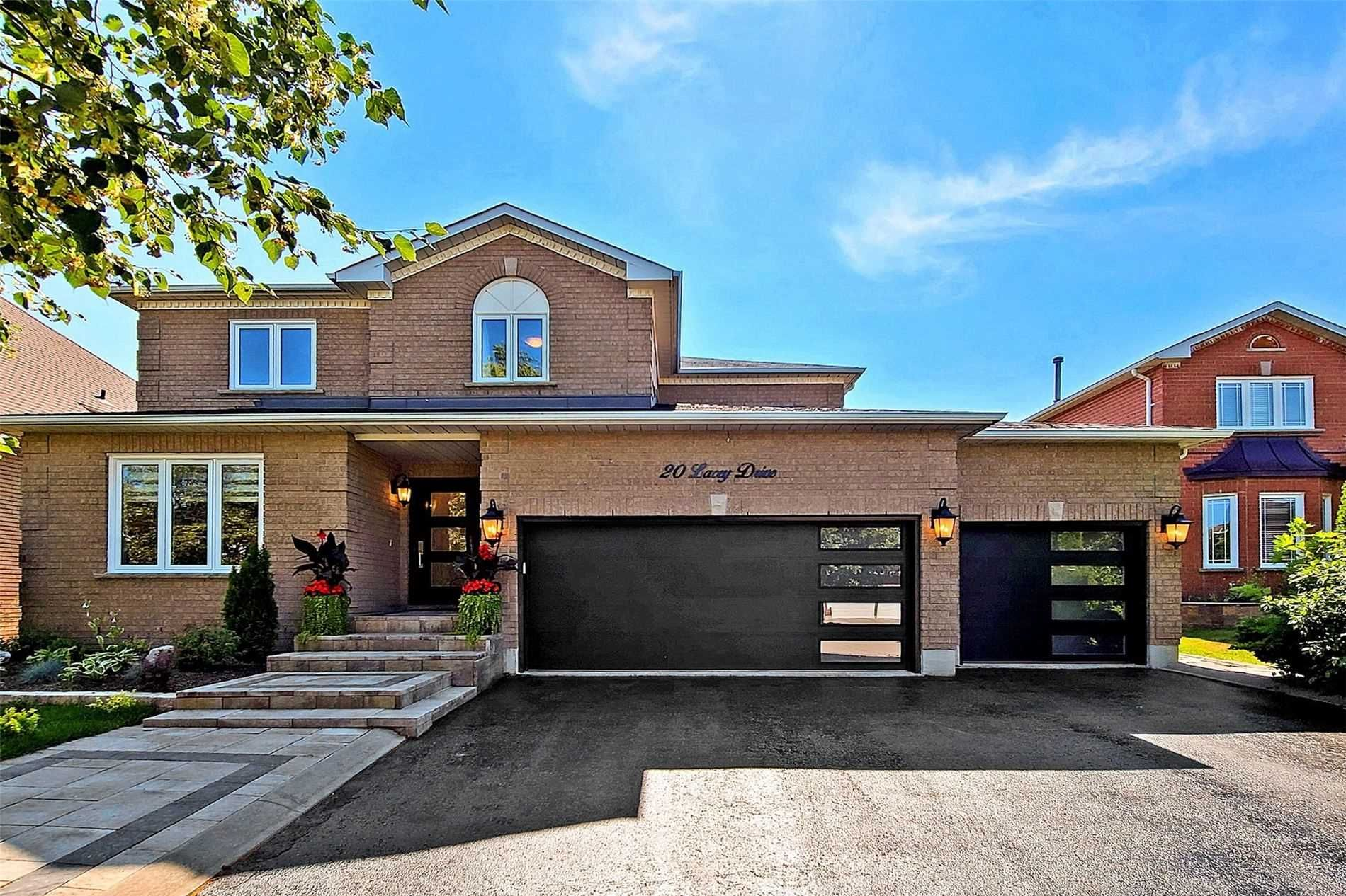 Main Photo: 20 Lacey Drive in Whitby: Pringle Creek House (2-Storey) for sale : MLS®# E5367996