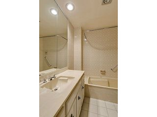 Photo 8: 20 6600 LUCAS Road in Richmond: Woodwards Townhouse for sale : MLS®# V1033063