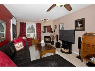 Photo 3: 108 15895 84 Ave in Surrey: Fleetwood Tynehead Home for sale ()  : MLS®# F1422946