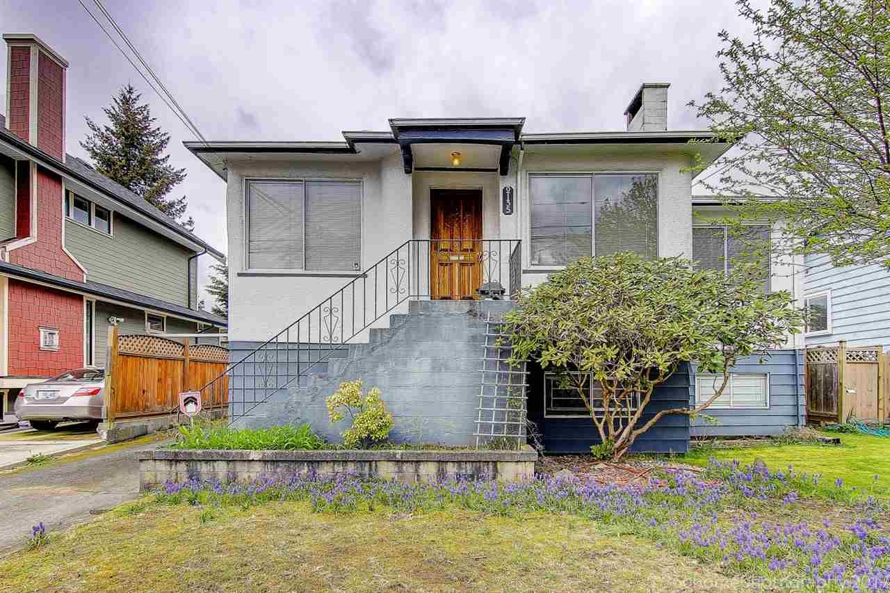 """Main Photo: 2135 EIGHTH Avenue in New Westminster: Connaught Heights House for sale in """"CONNAUGHT HEIGHTS"""" : MLS®# R2156367"""