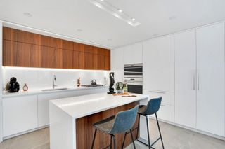 """Photo 4: 1502 885 CAMBIE Street in Vancouver: Downtown VW Condo for sale in """"THE SMITHE"""" (Vancouver West)  : MLS®# R2616063"""