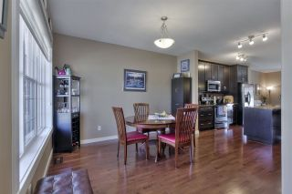 Photo 7: 1062 GAULT Boulevard in Edmonton: Zone 27 Townhouse for sale : MLS®# E4239444