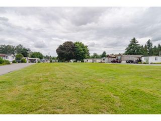 """Photo 26: 3 4426 232 Street in Langley: Salmon River Manufactured Home for sale in """"WESTFIELD COURT"""" : MLS®# R2479123"""