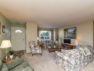 Photo 2: 21 1535 Dingwall Rd in COURTENAY: CV Courtenay East Row/Townhouse for sale (Comox Valley)  : MLS®# 836180