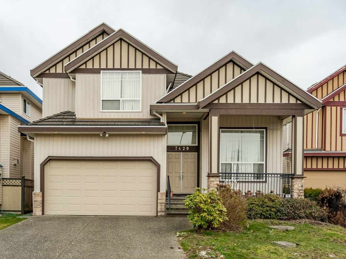Main Photo: 7420 124B Street in Surrey: West Newton House for sale : MLS®# R2540263