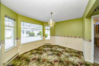 """Photo 10: 129 8737 212 Street in Langley: Walnut Grove Townhouse for sale in """"Chartwell Green"""" : MLS®# R2490439"""