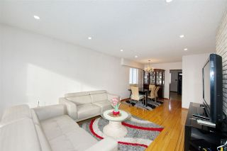 Photo 2: 235 E 62ND Avenue in Vancouver: South Vancouver House for sale (Vancouver East)  : MLS®# R2433374